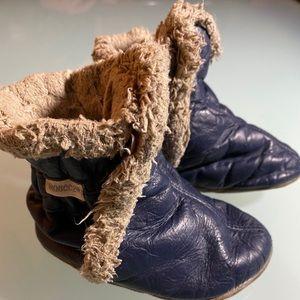 Robeez booties.  Navy blue size 18m